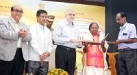 Governor felicitates Smt Lekshmikkutty Amma, OPadma Shri Awardee at Kerala Raj Bhavan