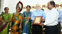 Kerala Agricultural University VC and Faculty with the citation for facilitating the Genome Saviour Awards to 17 farmers, honored on Feb 10